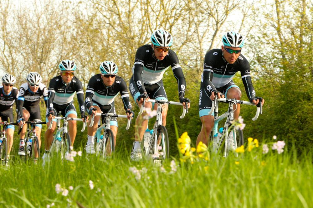 Le Team Leopard-Trek contrôle la course
