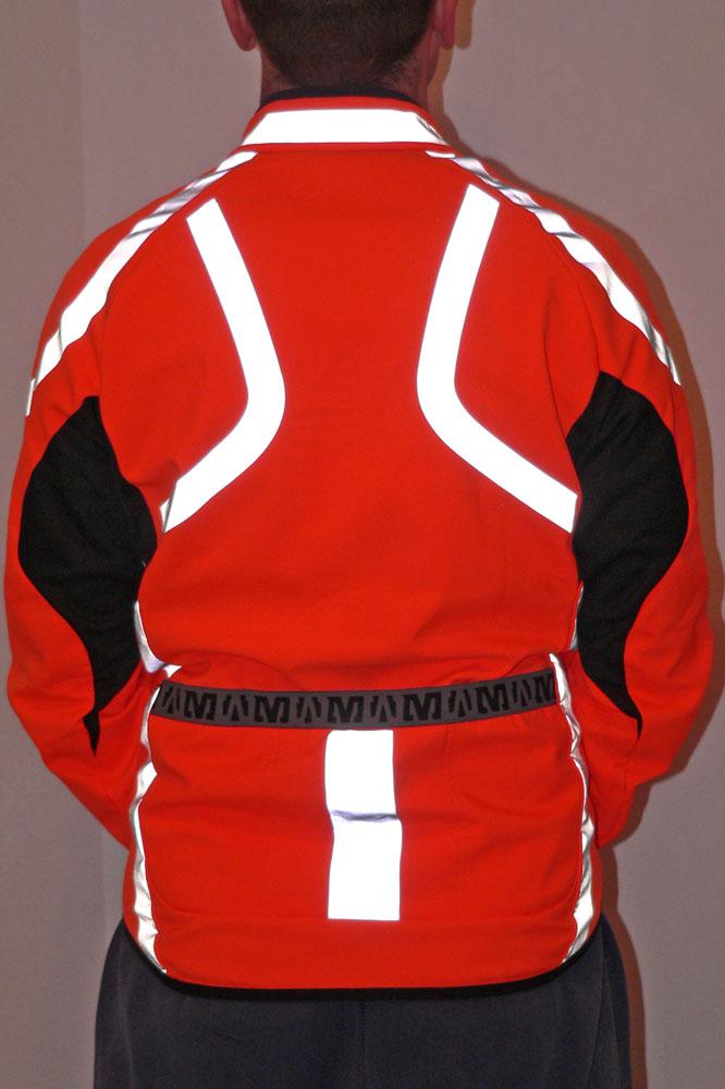 La veste Mavic Vision est équipée de trois poches arrières