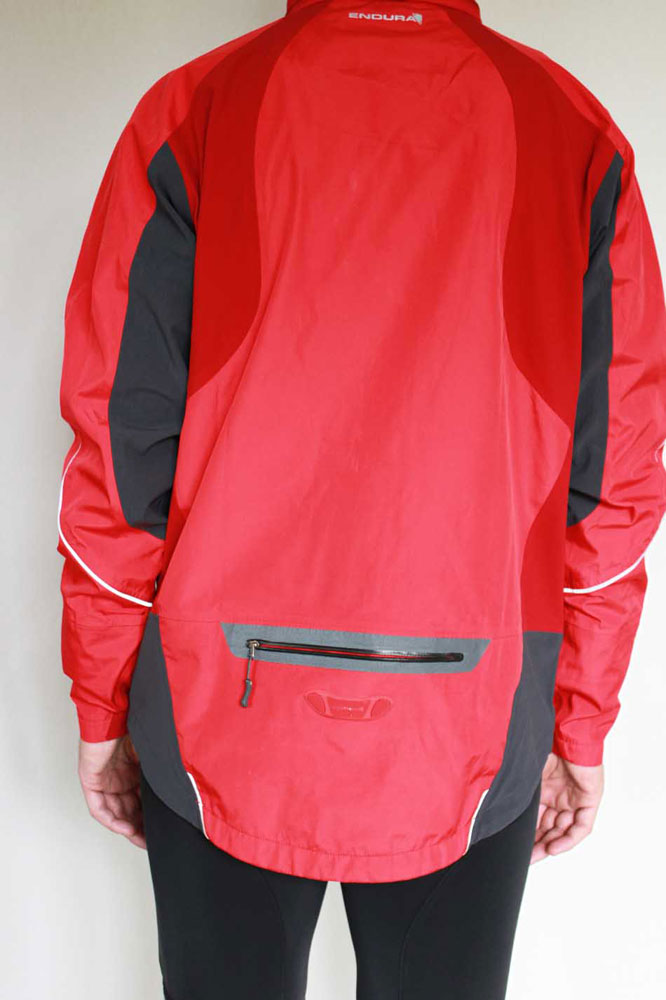 Une poche cycliste à l'arrière du dos
