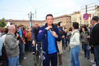 Alessandro Petacchi fend la foule turinoise