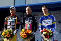 Le podium des Boucles de la Loire avec Alo Jakin, Freddy Bichot et Erwan Teguel