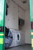 L'espace lingerie du bus atelier du Team Europcar