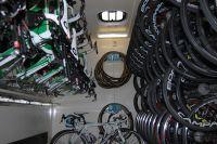 Le bus atelier du Team Europcar