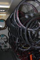 Les nombreuses roues Campagnolo du Team Europcar