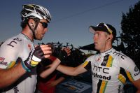 Mark Cavendish félicite Matthew Goss