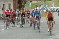 Le Maillot Jaune Bradley Wiggins contrôle ses adversaires au Dauphiné