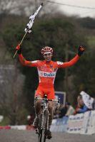 Matthieu Boulo triomphe sur ses terres bretonnes