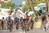 Mark Cavendish domine ses adversaires les plus coriaces, Petacchi et Ventoso
