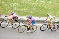 Michele Scarponi et Vincenzo Nibali dans le sillage de l'intouchable Alberto Contador