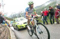En crise, Vincenzo Nibali lutte pour céder le moins de temps possible