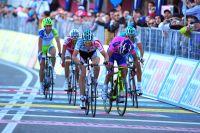 Rejoint in extremis au sommet, Bart De Clercq s'impose d'un rien devant un Michele Scarponi déchaîné