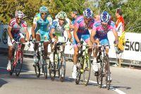 La Lampre réagit un peu tard : Michele Scarponi, prêt à gicler, est suivi comme son ombre par Vincenzo Nibali