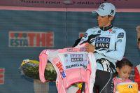 Alberto Contador enfile le Maillot Rose