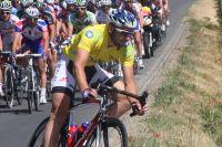 Fabien Patanchon en jaune après sa victoire dans la première étape