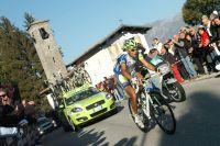 Vincenzo Nibali seul devant au sommet du Ghisallo