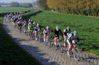 La première édition du Paris-Roubaix Challenge se déroule sous le soleil