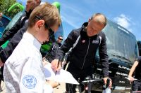 Thor Hushovd signe un autographe