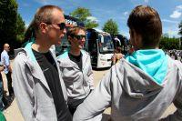 Les coureurs du Team Leopard-Trek sont  décontractés