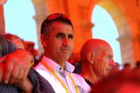 Laurent Jalabert attentif à la présentation des équipes du Tour de France