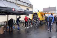 La préparation des vélos est importante sur un tel parcours