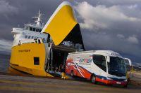 Le bus des Katusha sort du ferry