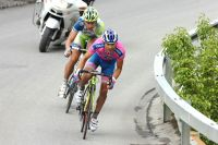 Damiano Cunego relance dans la descente, Peter Sagan s'accroche