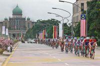 Le peloton dans les rues de Putrajaya