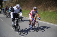 Après 35 kilomètres, le peloton dépasse un illustre cyclo : Mario Cipollini !