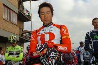 Fumiyuki Beppu et le peloton observent une minute de silence en hommage aux victimes du séisme japonais