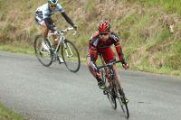 Cadel Evans se démarque dans la descente du Col de Manse
