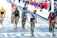 Contador échoue de peu face à Cadel Evans au Mûr-de-Bretagne