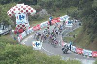 Le peloton du Tour de France en sur la route du Cap Fréhel