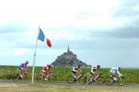 Les hommes de tête devant le Mont-Saint-Michel