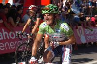 Joaquim Rodriguez semble souffrir du poignet