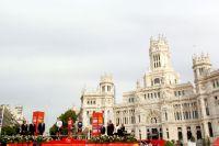 Le podium du Tour d'Espagne sur la Plaza Cibeles