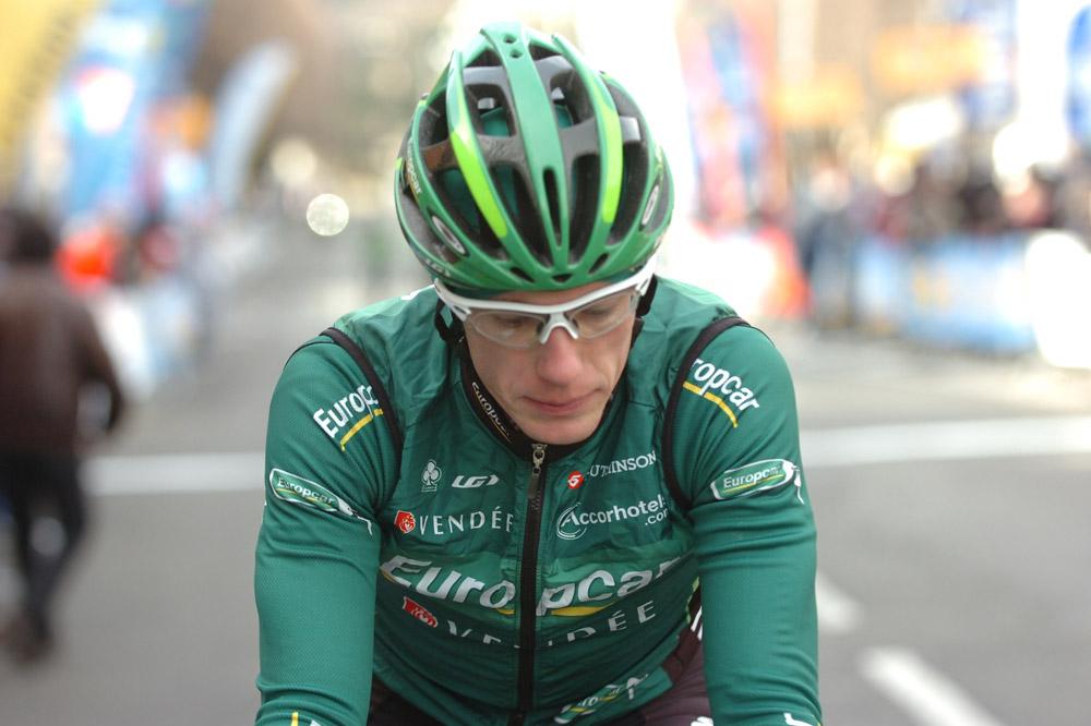 A Alès, Pierre Rolland termine attardé après une chute sans conséquence