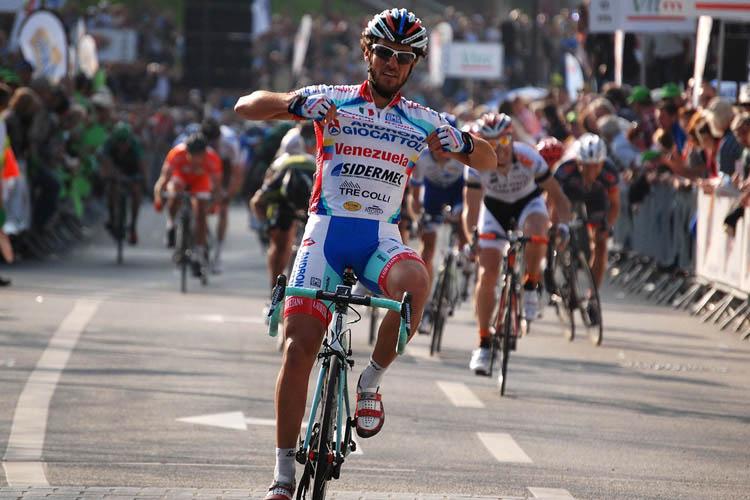 Roberto Ferrari gagne la Route Adélie