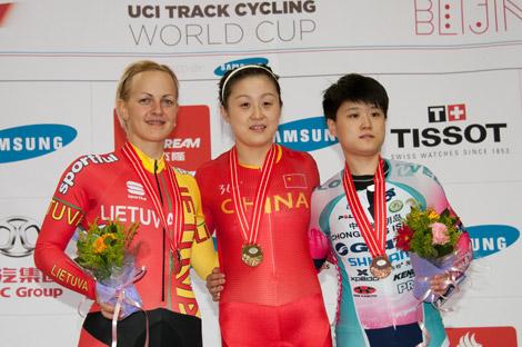 Shuang Guo a prévenu Simona Krupeckaite, à sa droite, elle sera dure à battre cette saison
