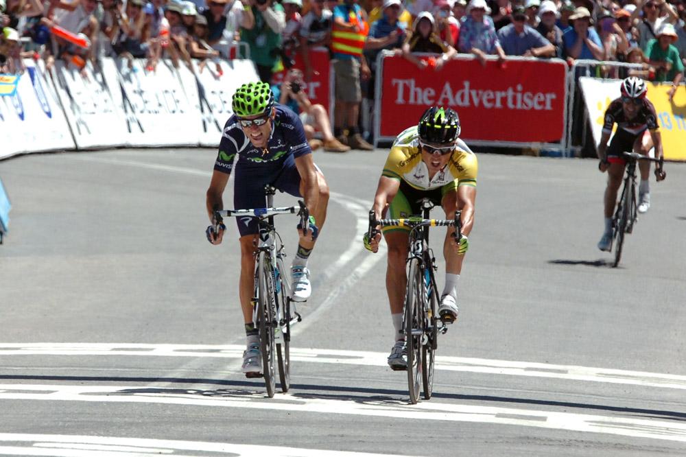 Sprint serré entre Alejandro Valverde et Simon Gerrans au sommet du Mont Willunga