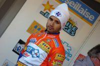 Nacer Bouhanni dans le maillot corail de premier au classement général
