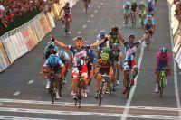 Andre Greipel étrenne victorieusement le nouveau maillot de Lotto-Belisol