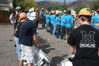Sauras-tu trouver le fan de vélo dans la fanfare locale ?