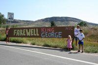 Adieu King George Hincapie, dit la banderole