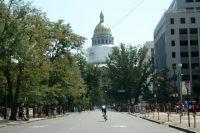 Dernier passage sous le Capitole, le sprint vers la ligne d'arrivée a commencé