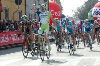 Elia Viviani triomphe