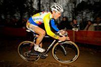 Emilien Viennet toujours quatrième réalise une très belle course