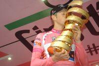 Hesjedal devient le premier canadien à inscrire son nom au palmarès du Giro