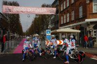 L'équipe Androni Giocattoli au départ du Giro