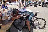 Les cyclosportifs sont exténués à l'arrivée d'une telle étape