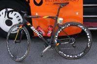 Le vélo de Philippe Gilbert est décoré des couleurs du drapeau Belge.